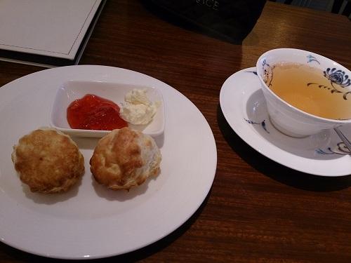 GRACE(グレース)・紅茶・スコーン