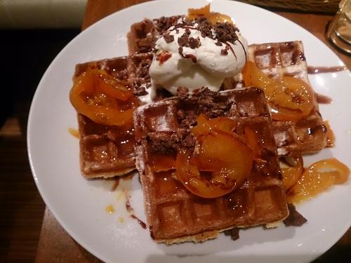 清美オレンジのプリザーブとチョコレートのワッフル