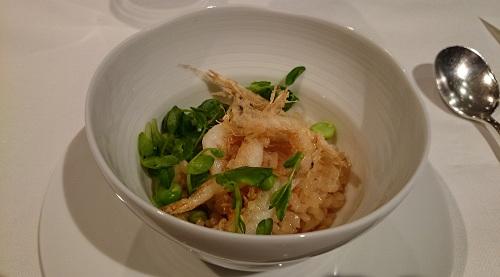 豆御飯と白えびのクルトン