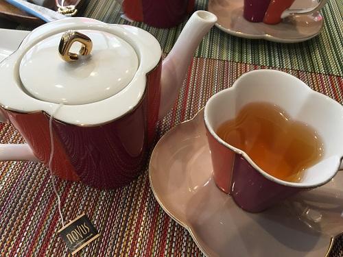 ヨシノリ・アサミ・イートイン紅茶